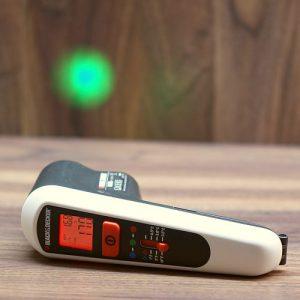 Infrarot Thermometer zur Wandtemperatur Messung